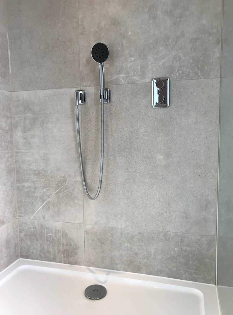 Luxury bathroom | Frameless Glazing | Design | Pluming | Architect | Building Contractor | Design and Build | Construction | Interior Design | Building | Refurbishment | Cambridge | London | Suffolk | Essex | Saffron Walden | Hertfordshire | The Daniels Group